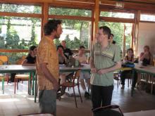 photo d'une discussion entre Yves Bonnardel et Pierre Sigler