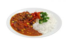 photo d'un plat de chili sin carne